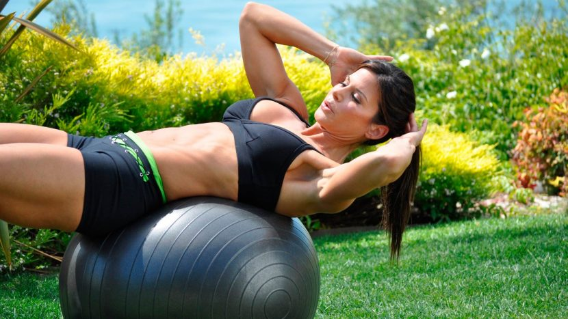"""Exercise ball or """"Swiss ball"""" - FIT PASSION .NET"""